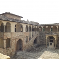 Cortile della Rocca di Agazzano - LukeHunter - Agazzano (PC)