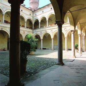 Castello di Rivalta - Cortile foto di: Bertuzzi Simone - Fondazione Zanardi Landi
