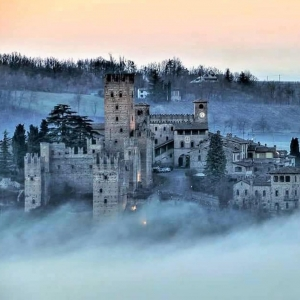 Rocca Viscontea - Nebbia foto di: |Beppe Lambri| - Beppe Lambri