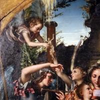 Giorgio gandini del grano, sacra famiglia con santi e angeli, 1534-35, 02 angeli che si passano anima - Sailko - Parma (PR)