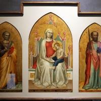 Bernardo daddi, madonna con bambino leggente e i santi pietro e paolo, 1320-30 ca. 01 - Sailko - Parma (PR)