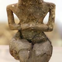 Cultura dei vasi a bocca quadrata, statuina di donna seduta, dalla tomba 3 a vicofertile, 4500-4000 ac ca. 01 - Sailko - Parma (PR)