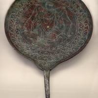Etruria, specchio con incisioni mitologiche e manico configurato, III-II secolo ac. 07 - Sailko - Parma (PR)