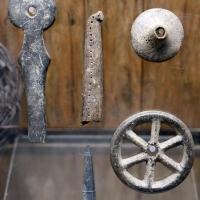 Età del bronzo medio-recente, manufatti in osso e corno di cervo, 1550-1200 ac ca, da castellazzo di fontanellarto - Sailko - Parma (PR)