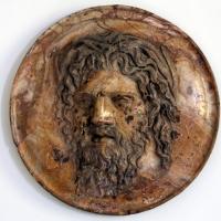 Tondo con testa maschile in alabastro fiorito, da roma, 190-210 dc ca - Sailko - Parma (PR)