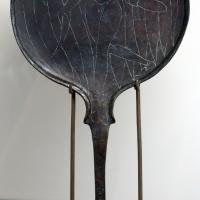 Etruria, specchio con incisioni mitologiche e manico configurato, III-II secolo ac. 01 vanth - Sailko - Parma (PR)