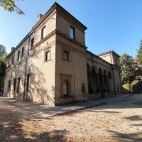 20171015 155205 palazzetto sanvitale con grillo di passaggio - Marco Tommesani - Parma (PR)