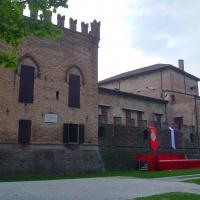 20180603 202854 rocca dei rossi con stendardi del palio - Marco Tommesani - San Secondo Parmense (PR)