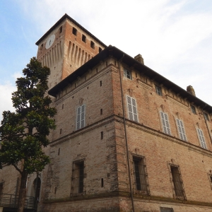 Rocca dei Terzi - Esterno lato nord-ovest foto di: |Carlo Bassanini| - Privata