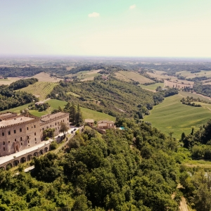 Oh che bel Castello! La vita in Castello: una passeggiata con i proprietari del Castello di Tabiano