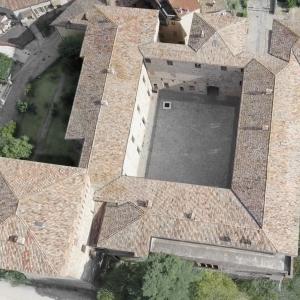 Castello di Varano de' Melegari - Panoramica alta foto di: |Marco Trippa| - Marco Trippa