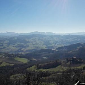 Pieve di Bardone - Bardone_(Terenzo)_-_Pieve_di_Santa_Maria_Assunta foto di:  Wikipedia  - Wikipedia