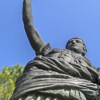 Statua dell'Imperatore Augusto - esterno della Basilica di Sant'Apollinare in Classe - Oliver77duff - Ravenna (RA)