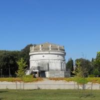 Mausoleo di Teodorico dal parco - PacoPetrus - Ravenna (RA)