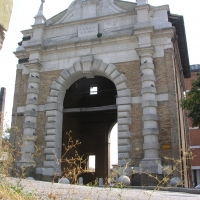 Porta serrata dal davanti - Montanarigiorgio - Ravenna (RA)
