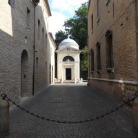 Tomba di Dante tra le vie - PacoPetrus - Ravenna (RA)