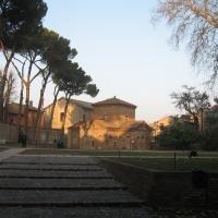 Esterno da san vitale - Lstorato - Ravenna (RA)