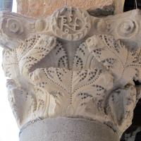 Ravenna, piazza del popolo, loggia nova, capitelli del tempo di teodorico 03 monogramma di teodorico - Sailko - Ravenna (RA)