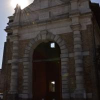 Porta serrata 01 - Carlotta Benini - Ravenna (RA)