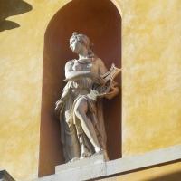 Particolare della facciata - Una delle muse - Robertakool - Ravenna (RA)