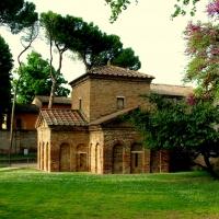 Il Mausoleo di Galla Placidia ai primi sentori della primavera - Federfabbri - Ravenna (RA)