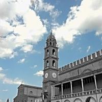 Piazza del Popolo con Torre dell'orologio, Palazzo del Podestà e cattedrale in secondo piano - Micheleorlando78 - Ravenna (RA)