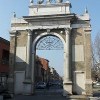 Porta Nuova o Porta Pamphilia - Wikiangie14 - Ravenna (RA)