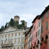 Rocca Manfrediana che domina Via degli Asini - Chiari86 - Brisighella (RA)