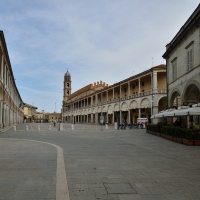 Piazza del Popolo nella sua estensione Faenza - Wwikiwalter - Faenza (RA)