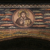 Sant'apollinare in classe, mosaici dell'arcone, cristo benedicente tra i simboli degli evangelisti (IX sec.) 04 - Sailko - Ravenna (RA)
