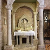 Sant'apollinare in classe, interno, altare di s. felicola con ciborio di s. eleucadio (810 ca.) - Sailko - Ravenna (RA)