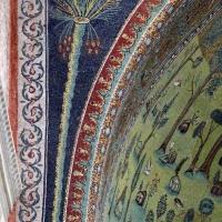 Sant'apollinare in classe, mosaici dell'arcone, palma, VII secolo 02 - Sailko - Ravenna (RA)