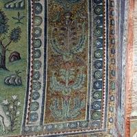 Sant'apollinare in classe, mosaici del catino, fasce decorative, VI secolo, 04 - Sailko - Ravenna (RA)