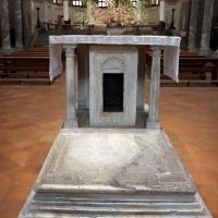 Sant'apollinare in classe, interno 03 altare dell'abate orso, ix secolo con cippo del vi - Sailko - Ravenna (RA)