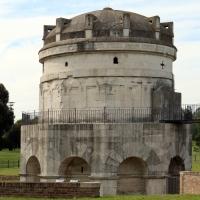 Mausoleo di teodorico, esterno 02 - Sailko - Ravenna (RA)