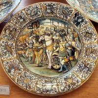 Castelli, attr. a francesco grue, piatto, post 1650 ca. condottiero in battaglia - Sailko - Ravenna (RA)