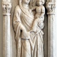 Anonimo, madonna col bambino in una nicchia, xiv secolo, da s. pietro in vincoli - Sailko - Ravenna (RA)