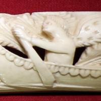 Bottega embriachesca, cornice da specchio o da cofanetto con genio su una barca, 1390-1410 ca - Sailko - Ravenna (RA)