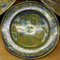 Deruta, piatto con busto di guerriero, 1500-30 ca. 01 - Sailko - Ravenna (RA)