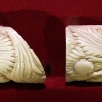 Bottega embriachesca, quattro placchette con geni alati da coperchio di cofanetto, ossoi, 1450 ca - Sailko - Ravenna (RA)