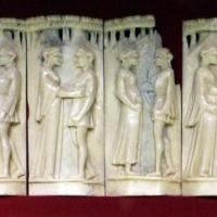 Bottega di baldassarre degli embriachi (attr.), placchette con coppie, 1410 ca - Sailko - Ravenna (RA)