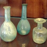 Fiaschette in vetro bianco, I-II secolo - Sailko - Ravenna (RA)