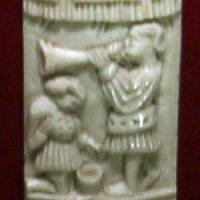 Italia del nord, placchetta di cofano con due personaggi maschili, 1400-1450 ca - Sailko - Ravenna (RA)