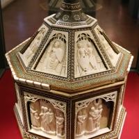 Baldassarre degli embriachi (bottega), cofanetto con scene delle leggenda di helias, 1390-1410 ca. 01 - Sailko - Ravenna (RA)