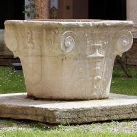 Ravenna, san vitale, primo chiostro, 03 pozzo - Sailko - Ravenna (RA)