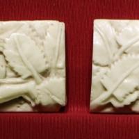 Bottega di baldassarre degli embriachi, due lastre con geni alati, osso, 1390-1410 ca - Sailko - Ravenna (RA)