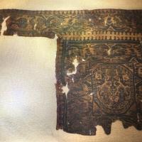 Egitto copto, clavo di tunica con inserto e nascita di afrodite, lana e lino, 590-610 dc ca - Sailko - Ravenna (RA)