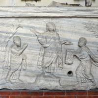 Sarcofago con scena di traditio legis, 400-415 ca, da s. giovanni battista, ravenna - Sailko - Ravenna (RA)