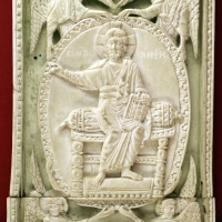 Costantinopoli, formella con ascensione di cristo, avorio, 1110 ca - Sailko - Ravenna (RA)