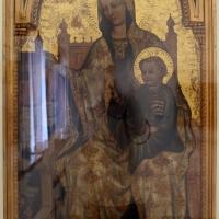 Pittore romagnolo-ferrarese, madonna in trono col bambino, 1400-25 ca - Sailko - Ravenna (RA)